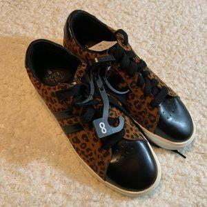 Memory foam cheetah print sneakers size 8